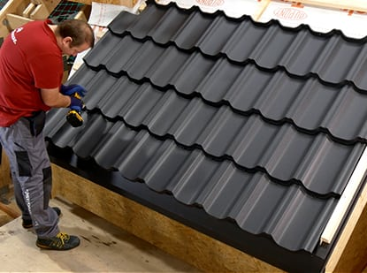 Metal Rroof installation by Worthouse's expert